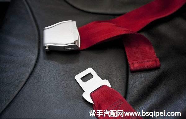 駕駛員座椅安全帶扣