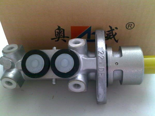 制动总泵(刹车总泵)
